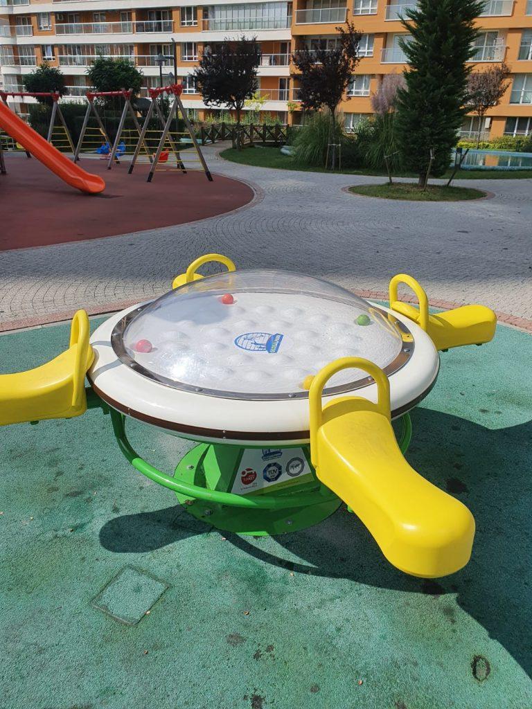Çocuk Oyun Parklarına Yeni Oyuncaklar Geldi